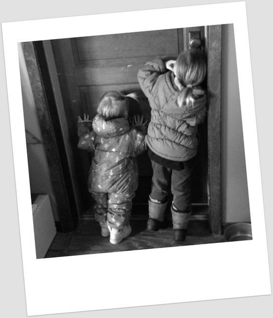 doorgirls-001